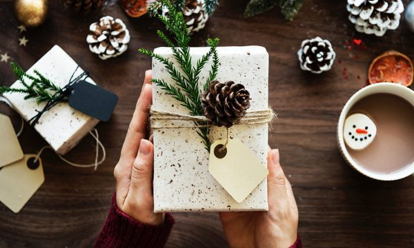 How To Make & Stick To A Holiday Budget